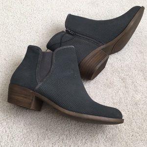 NWT Kensie Grey Boots